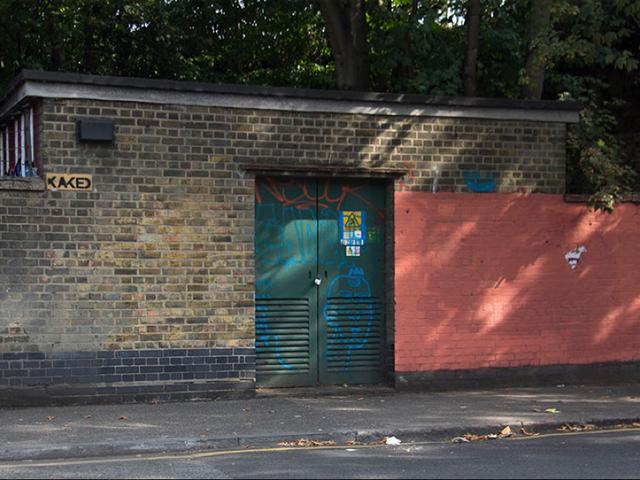 Grafiti sanatçısı otorite ile oynuyor