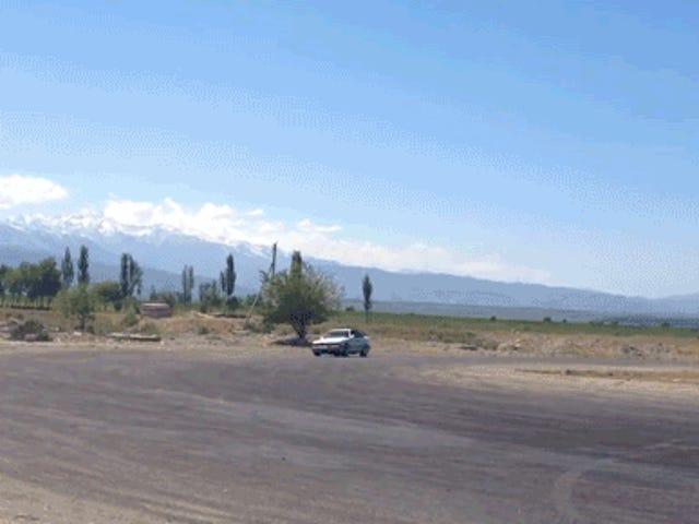 Tarik Tirai Di Kyrgyzstan