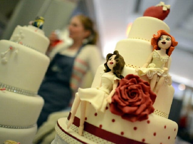Bakery That Refused to Bake Cake For Lesbian Couple Must Pay Damages