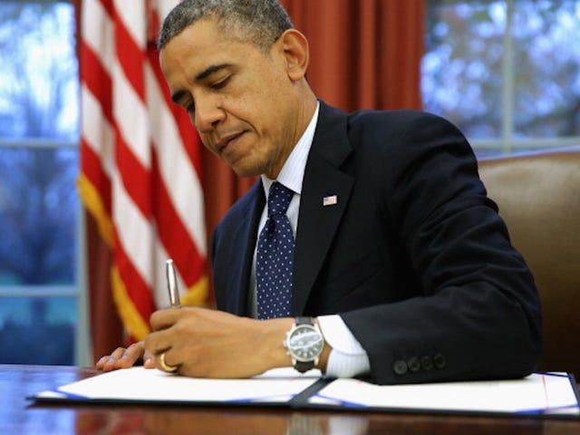 Ο Πρόεδρος Ομπάμα στις δωδεκάδες των μη βίαιων παραβατών ναρκωτικών