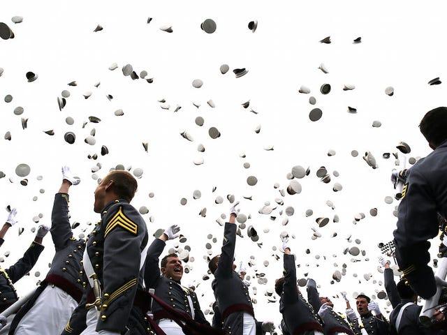 Pentagono per sollevare il divieto delle persone transgender nell'esercito