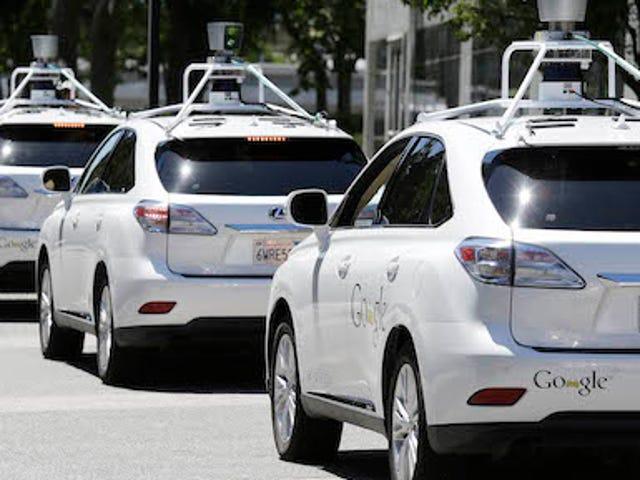 Google sobre los accidentes de su coche autónomo: culpa de los humanos