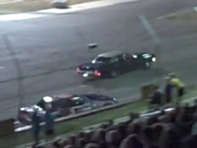 Denne enorme 1973 Oldsmobile Ninety-eight holder sin egen mod en stockbil