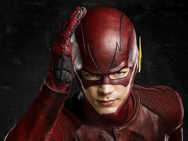 Flash Dapat Memakai Kostum Baru