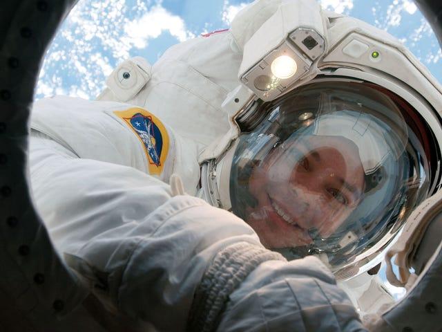 激光分析揭示宇航员的皮肤在太空中变得更薄