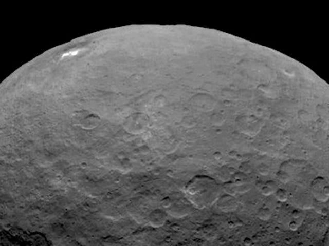 Maken de witte vlekken op Ceres Afternoon Haze?