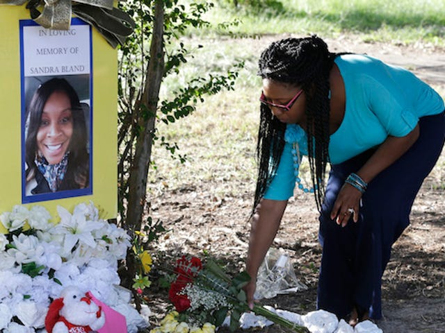 Texas Forensics Team Says Sandra Bland Died By Suicide
