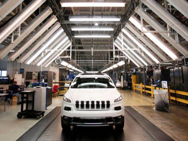 Chrysler przywołuje 1,4 miliona samochodów, ponieważ hakerzy mogą je porwać