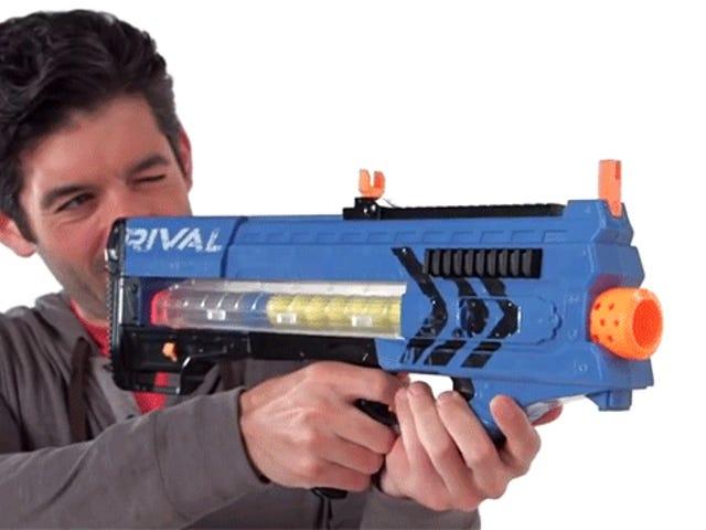 Vår första titt på Nerfs nya 70 MPH Blasters In Action