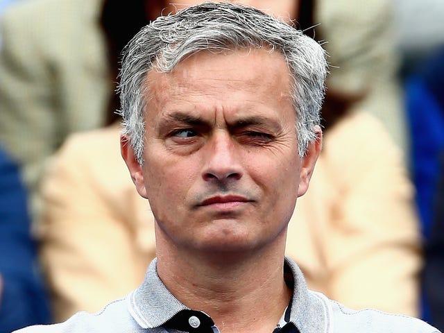José Mourinho skiter på ledere igjen, noe som betyr fotballens tilbake!