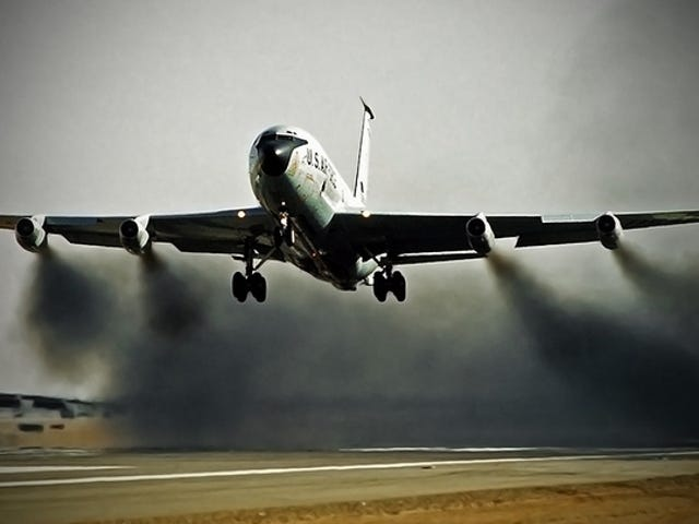 Why Were Old Jet Engines So Much More Smoky Than Newer Ones?