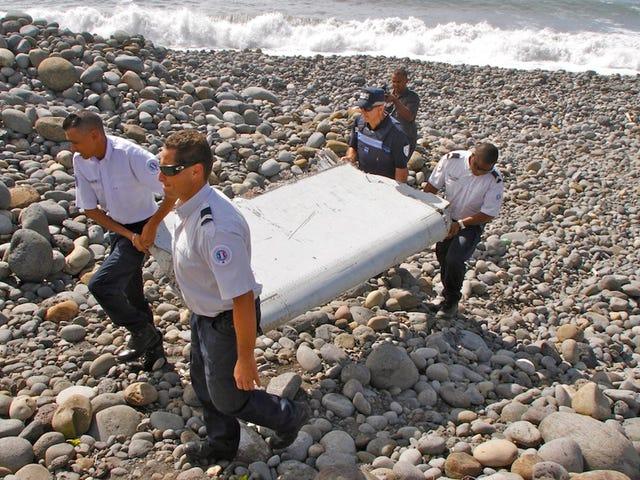 हम कैसे पता चलेगा कि अगर खोजे गए विमान मलबे MH370 का हिस्सा है