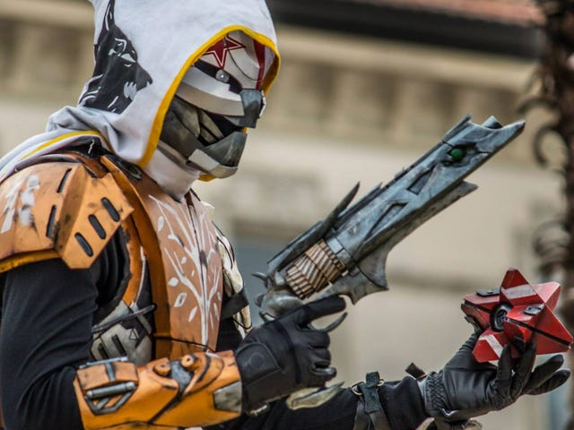 <i>Destiny </i>Cosplayer Grinds Endlessly To Create Perfect Outfit