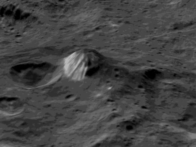 Dawn paljastaa kaksipuolisen vuoren Ceresissä viimeisimmässä Flyover-animaatiossa