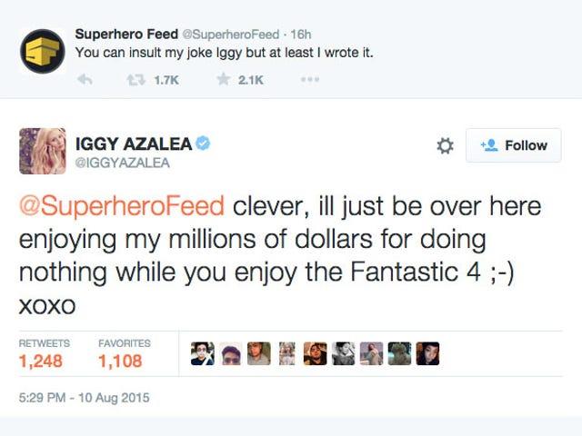 Iggy Azalea ha passato la notte scorsa combattendo con un sito di fan dei supereroi su Twitter