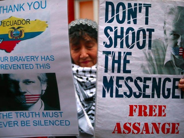 Seksuele molestering en dwanglasten tegen Julian Assange vervallen