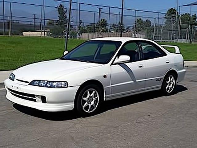 Với giá 9.500 đô la, Acura Integra 1994 này yêu cầu bạn sẵn sàng cho việc này?