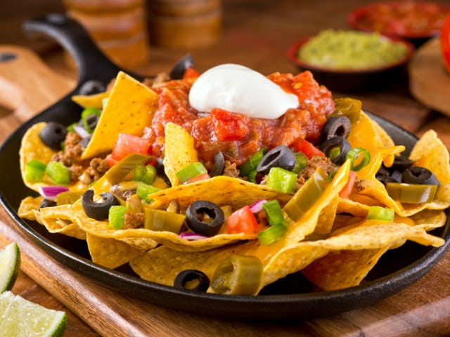 Woman Discovers Fake Fingernail in Her Taco Bell Nachos