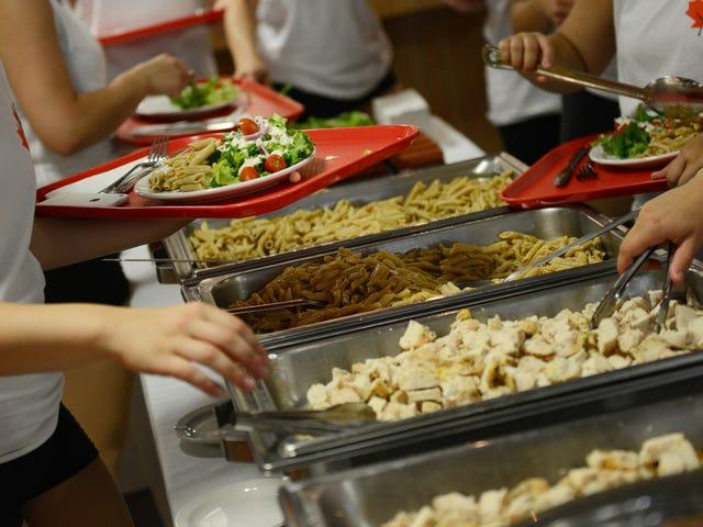 """Comment manger plus sainement au collège (et éviter le """"Freshman 15"""")"""