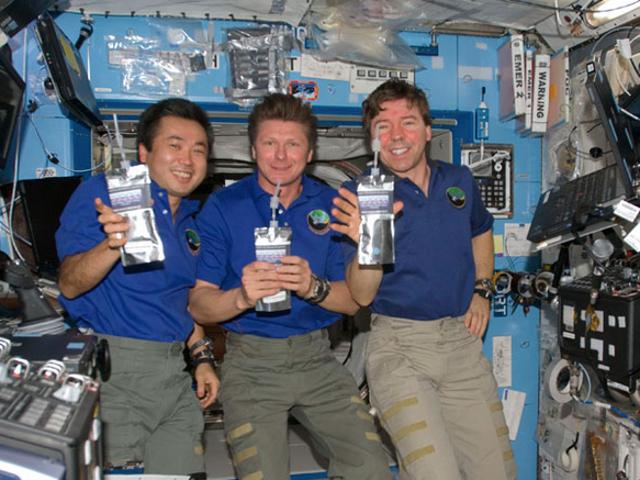 Krew ISS Mengumpul Pee Rusia untuk Bekalan Airnya