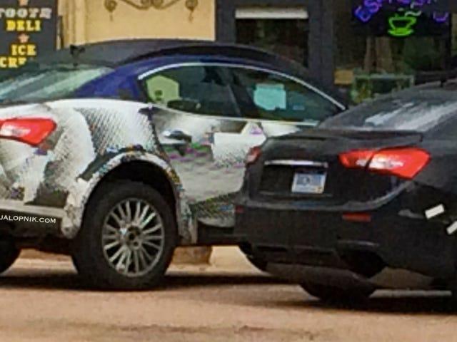 Lijkt erop dat Maserati auto's vernedert om SUV-testmuizen te maken