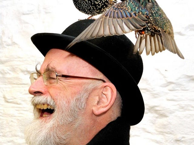 "Get the Pitchforks: Guardian Writer Claims Pratchett ""Not a Literary Genius"""