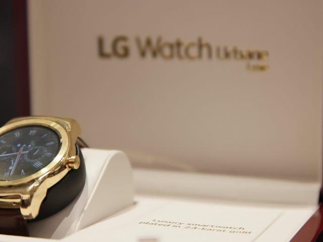 Watch LG Urbane Luxe Adakah Bonkers 23-Karat Gold