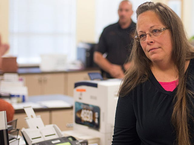 Kim Davis Released From Prison, Status Reports Required Every 14 Days