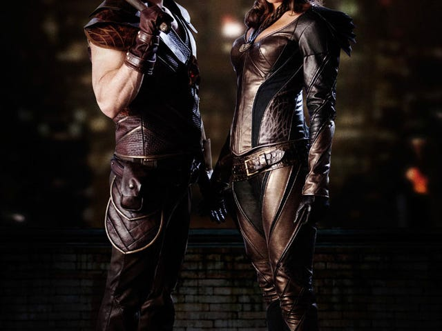 The CW has released the first photo of Hawkgirl's (Ciara Renée) and Hawkman (Falk Hentschel) in full