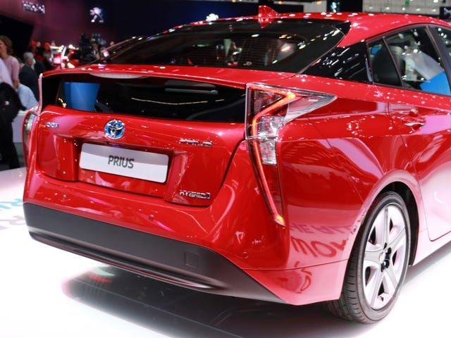 There's Something Captivating About The Ass Of The New Toyota Prius