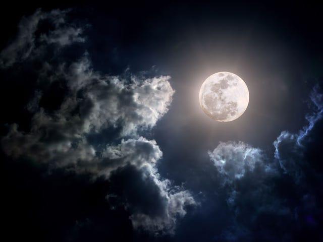 Cómo sacar buenas fotos a la luna sin ser un experto en fotografía