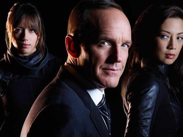 Οι Inhumans είναι χαλαροί στους <i>Agents of SHIELD</i> Season 3 Premiere