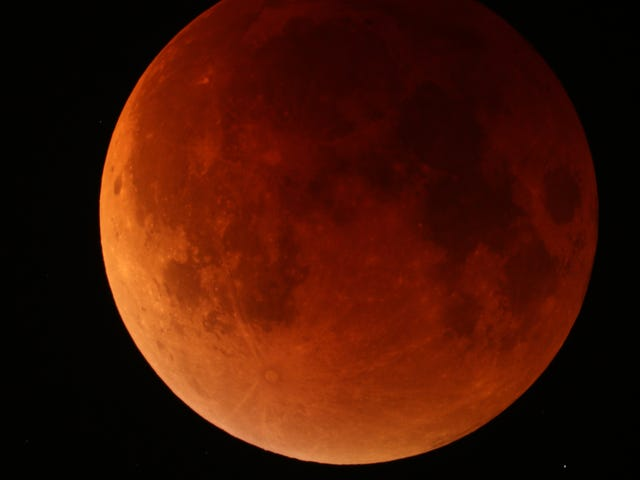 Eclipse of the Super, Blood Moon