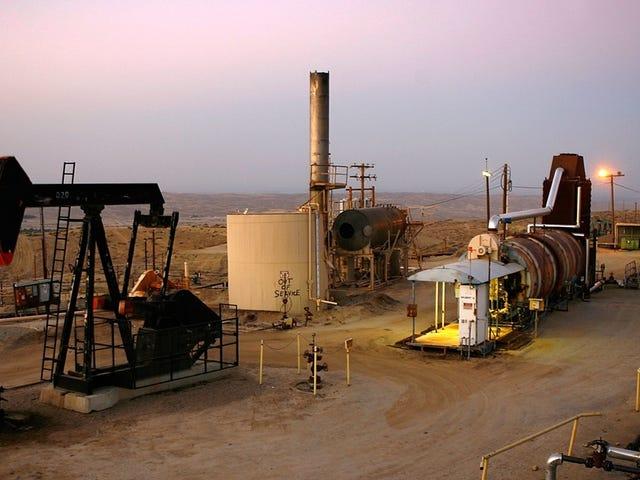 Article de 1975: Le monde n'aura plus de pétrole d'ici 2015