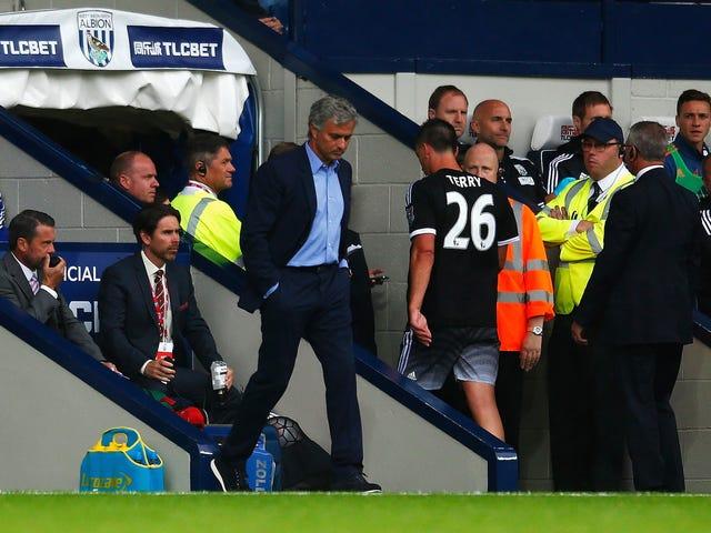 Jogadores do Chelsea começam a se rebelar contra José Mourinho