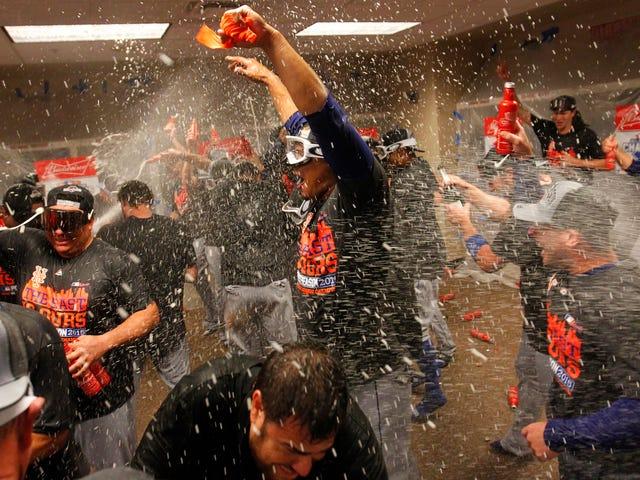 Guarda i Mets celebrare il clacson attraverso la telecamera sulla testa di Michael Conforto