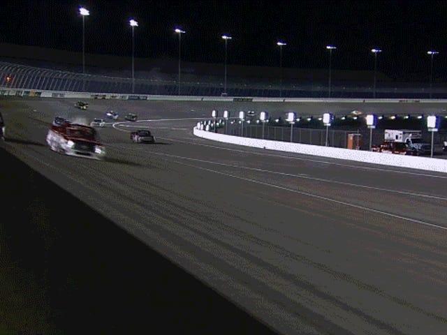 NASCAR-coureur Austin Theriault met luchttransport na een frontale wrak naar een onbeschermde muur