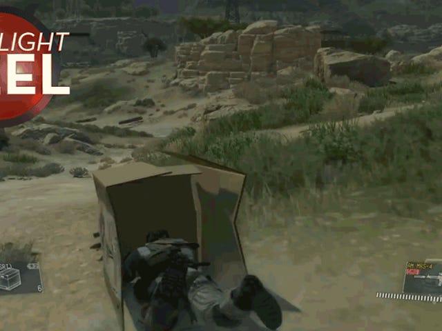 <i>Metal Gear</i> Player échappe majestueusement à la mort avec une boîte en carton