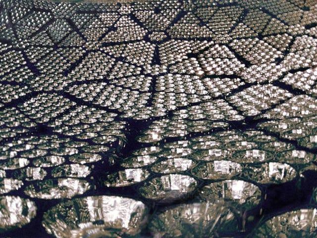 Neutrinos Menukar Rasa dan Menangkap Hadiah Nobel Lain