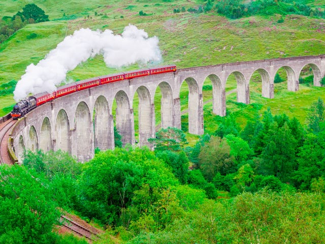 Hey, Nerds: Don't Trespass on Active Railways to Get a Great Harry Potter Picture