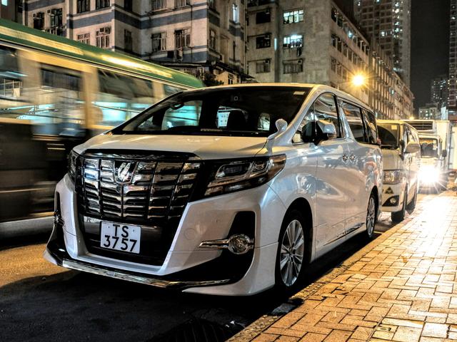 Du har aldrig set minivans til du har været i Hong Kong