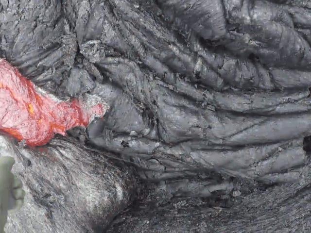 El peligroso pero fascinante proces de recolectar lava volcán en nombre de la ciencia