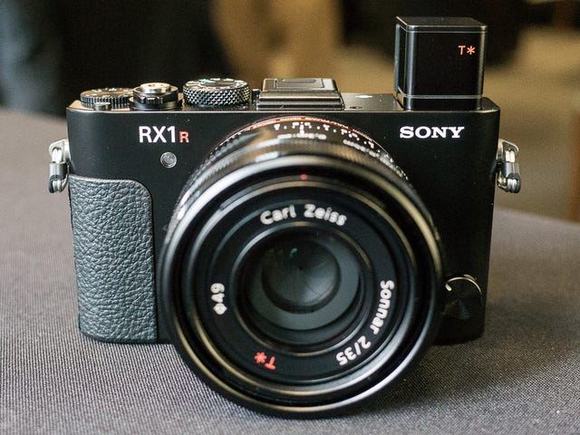 Sonys RX1r II: Is That 42 Megapixels In Your Pocket, or Are You Just Happy to See Me?
