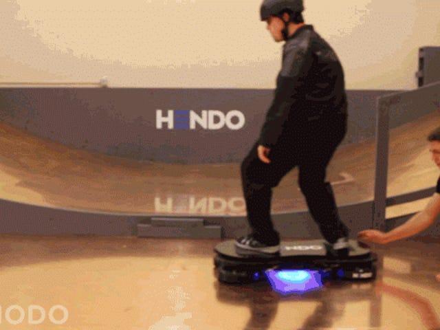 Hendo 2.0: Tinutulungan ni Tony Hawk ang Pag-disenyo ng isang Bagong Hoverboard na Talagang Nagtataglay