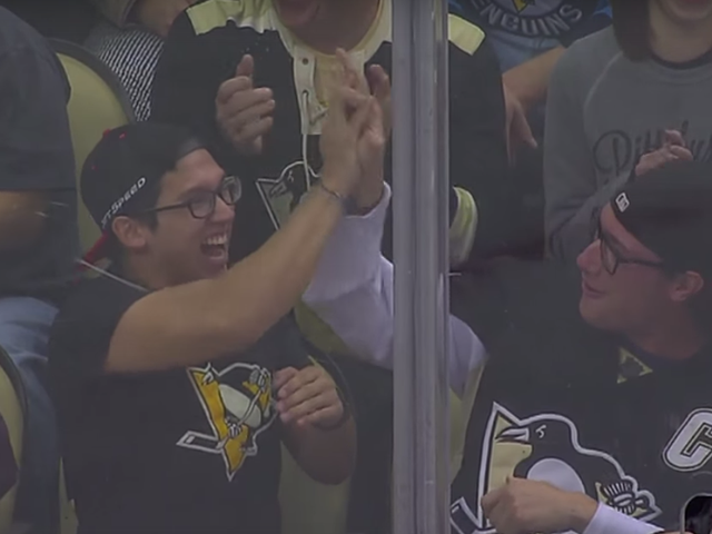 Penguins Bros Amped sobre Primo Hit