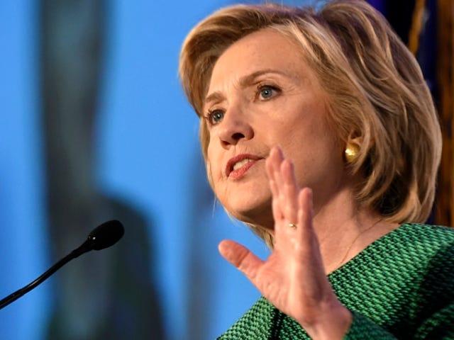 Hillary Clinton gọi Luật bỏ phiếu của Alabama là 'Vụ nổ từ Jim Crow Past'