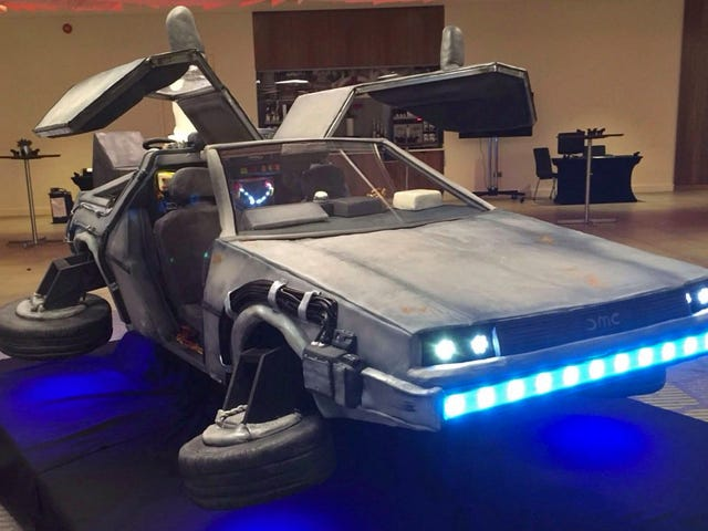 No Way! This Perfect BTTF II DeLorean Replica Is Actually an Edible Cake