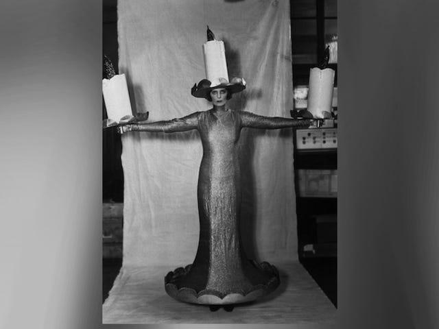 Il più grande costume di Halloween nella storia: Pissy Candelabra