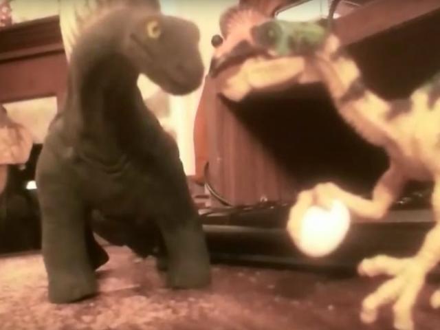 Libu-libo ang Mag-subscribe sa Dinosaur ng YouTube Channel ng Kid, Pinatutunayan ang Lahat Ay Hindi Masama