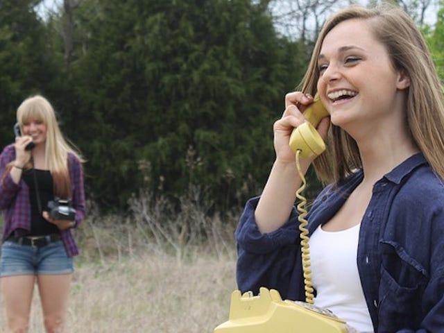 Meningkatkan Kebiasaan Komunikasi Anda dengan Meminta Rakan Menutup Tentang Mereka
